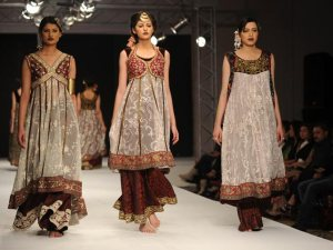 isl_fashion_007Creations-by-Pakistani-designer-Shaiyanne-Malik-2